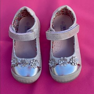 Silver Mary Jane shoes for girls